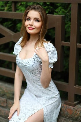 Svitlana from Lutsk 21 years - great weather. My small primary photo.
