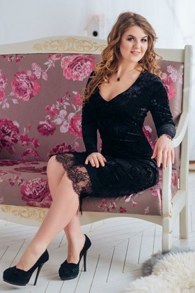 Natasha from Cherkasy 28 years - charm and softness. My small primary photo.