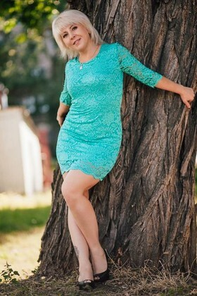 Elena from Cherkasy 44 years - Kind-hearted woman. My small primary photo.