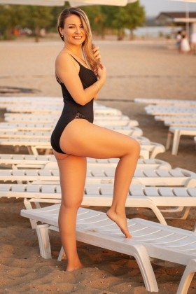 Tanya from Zaporozhye 34 years - easy charm. My small primary photo.