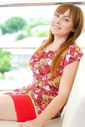 Olga from Kharkov 31 years - sunny day. My small primary photo.