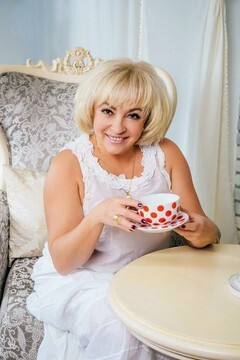 Svetlana from Cherkasy 53 years - waiting for you. My small primary photo.