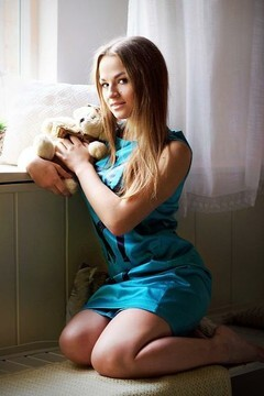 Lesya from Zaporozhye 22 years - want to be loved. My mid primary photo.