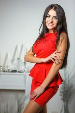 Valery from Kremenchug 19 years - beautiful woman. My mid primary photo.