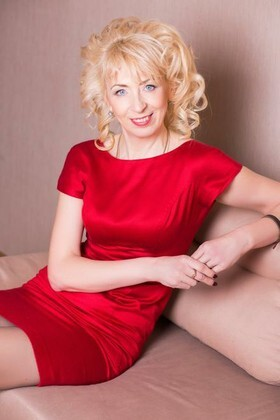 Natalka from Lutsk 47 years - look for fiance. My small primary photo.