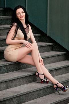 Irina from Cherkasy 25 years - ukrainian woman. My mid primary photo.