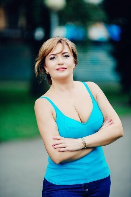 Galya from Poltava 50 years - ukrainian girl. My small primary photo.