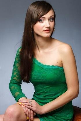 Irina from Kremenchug 26 years - amazing girl. My small primary photo.