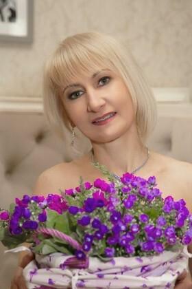 Svetlana from Sumy 49 years - ukrainian girl. My small primary photo.