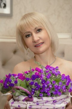 Svetlana from Sumy 49 years - ukrainian girl. My small primary photo.