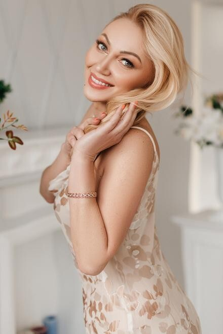 Lilia from Ivanofrankovsk 41 years - wants to be loved. My small primary photo.