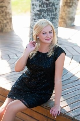 Oksana from Cherkasy 38 years - independent woman. My small primary photo.