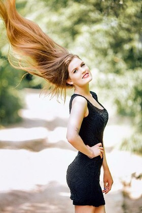 Anastasia from Poltava 23 years - cool photo shooting. My small primary photo.