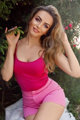 Maria from Ivanofrankovsk 25 years - waiting for you. My small primary photo.