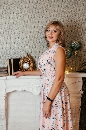 Anna from Dnipro 52 years - morning freshness. My small primary photo.