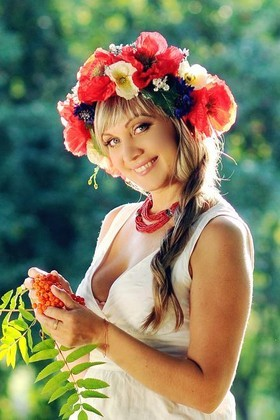 Iren from Rovno 35 years - single russian woman. My small primary photo.