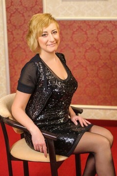 Oksana from Ivanofrankovsk 41 years - bright smile. My small primary photo.