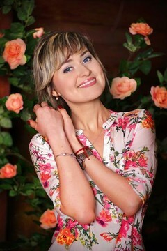 Evgeniya from Zaporozhye 30 years - beautiful woman. My mid primary photo.