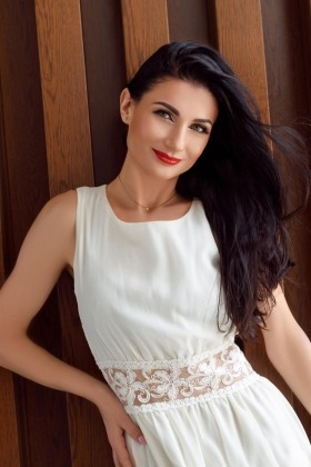 Nadya from Ivanofrankovsk 34 years - seeking man. My small primary photo.