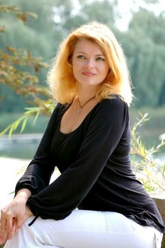 Tatiana from Rovno 39 years - introduce myself. My mid primary photo.
