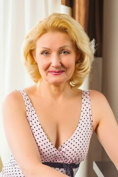 Galya from Ivanofrankovsk 57 years - good mood. My mid primary photo.