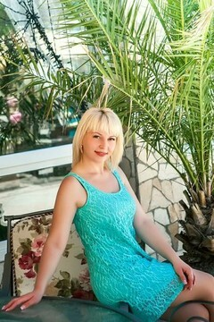 Veronika from Odessa 27 years - waiting for husband. My mid primary photo.