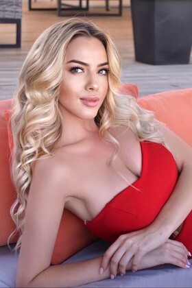 Anya from Ivanofrankovsk 22 years - girl for marriage. My small primary photo.
