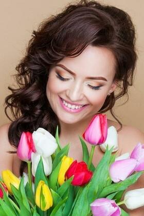 Natalie from Kiev 28 years - seeking soulmate. My small primary photo.