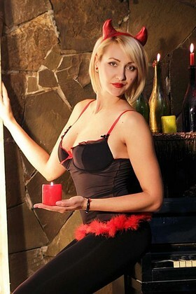 Olga from Zaporozhye 30 years - lovely girl. My small primary photo.