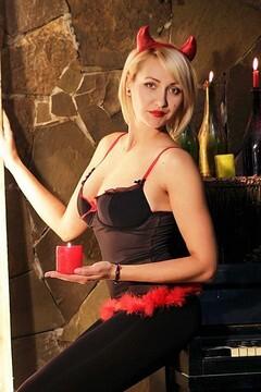Olga from Zaporozhye 32 years - lovely girl. My small primary photo.