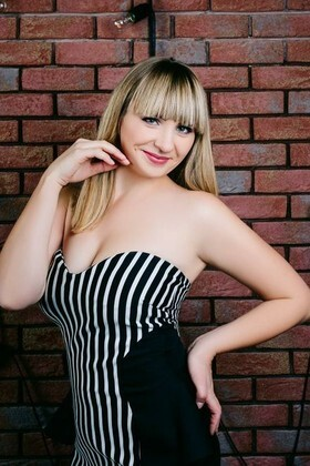 Alyona from Cherkasy 29 years - search for love. My small primary photo.