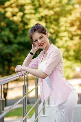 Olya from Dnipro 24 years - desirable woman. My small primary photo.