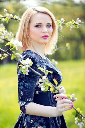 Viktoria from Rovno 31 years - searching life partner. My small primary photo.