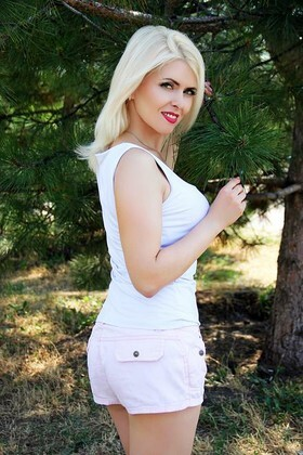 Victoria from Zaporozhye 38 years - ukrainian bride. My small primary photo.
