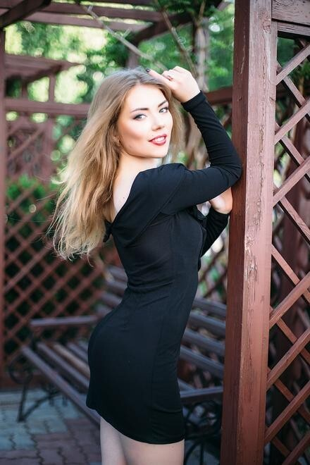 Natalia from Sumy 21 years - favorite dress. My small primary photo.