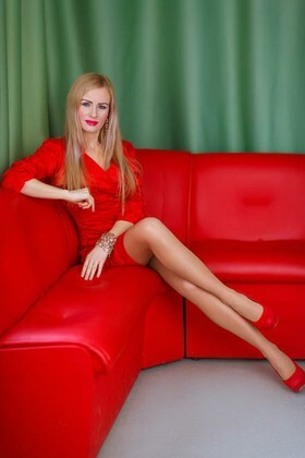 Tamila from Dnipro 33 years - beautiful woman. My small primary photo.
