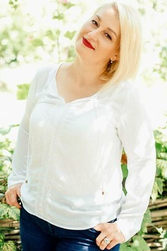 Natalia from Poltava 49 years - future bride. My mid primary photo.