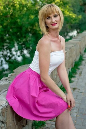 Oksana from Sumy 36 years - romantic girl. My small primary photo.