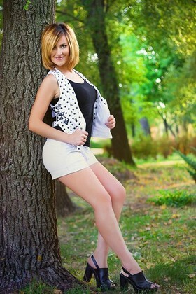 Tanya from Zaporozhye 33 years - look for fiance. My small primary photo.