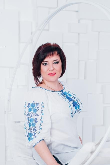 Oksana from Cherkasy 46 years - carring woman. My small primary photo.