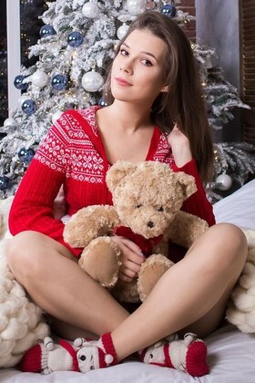 Marina from Kharkov 19 years - it's me. My small primary photo.