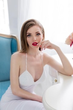 Tetyana from Lutsk 21 years - ukrainian bride. My mid primary photo.