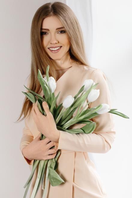 Tanya from Ivano-Frankovsk 22 years - photo gallery. My small primary photo.
