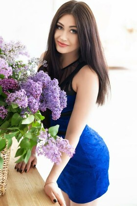 Julie from Dnipro 23 years - wants to be loved. My small primary photo.