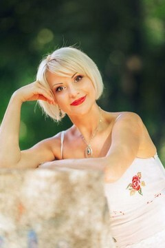 Nataliya from Poltava 44 years - Warm-hearted girl. My mid primary photo.