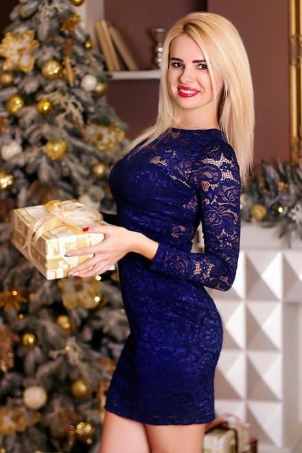 Kristina from Zaporozhye 36 years - nice fiancee. My small primary photo.
