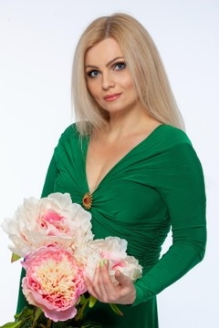 Tatiana from Kremenchug 42 years - desirable woman. My small primary photo.