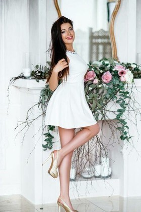 Ksusha from Poltava 25 years - ukrainian bride. My small primary photo.