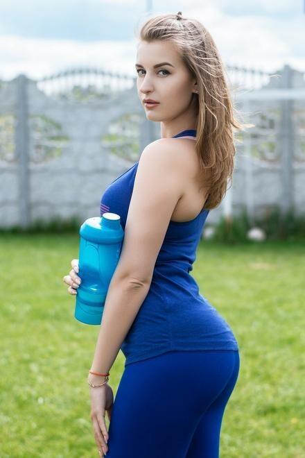Svetlana from Dnipro 28 years - beautiful and wild. My small primary photo.