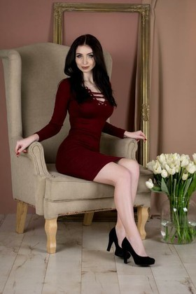 Elena from Poltava 20 years - seeking man. My small primary photo.